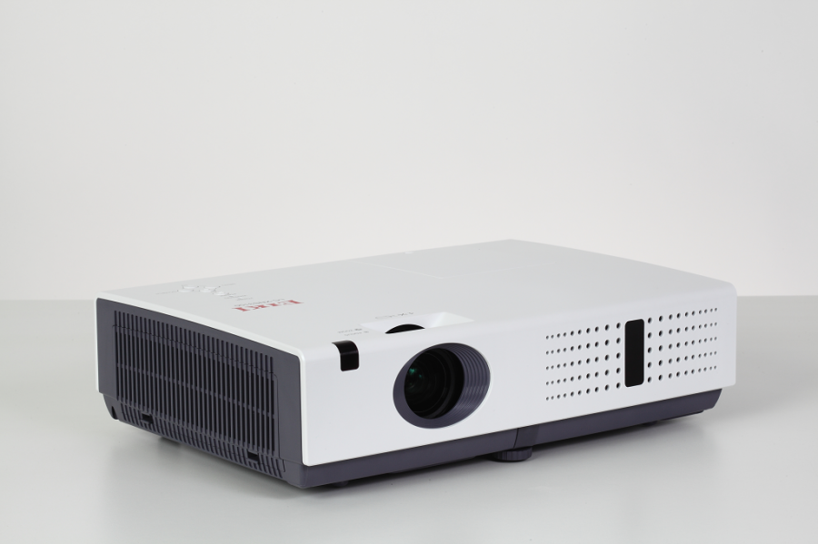 LC-XNS2600 LCD Projector